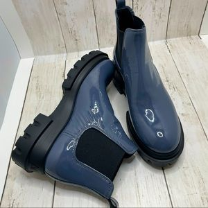 AGL Navy Patent Lugged Sole Chelsea Boots Size 6